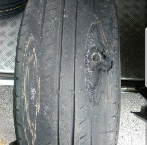TYRES_LIKE_THIS_CAN_CAUSE_THIS_TYPE_OF_CRASH._MAKE_SURE_YOUR_TYRES_ARE_SAFE_AND_LEGAL._2